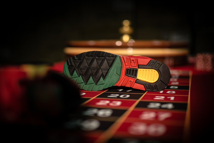 """Saucony, Packer Shoes & Just Blaze -SD Grid """"Casino"""""""