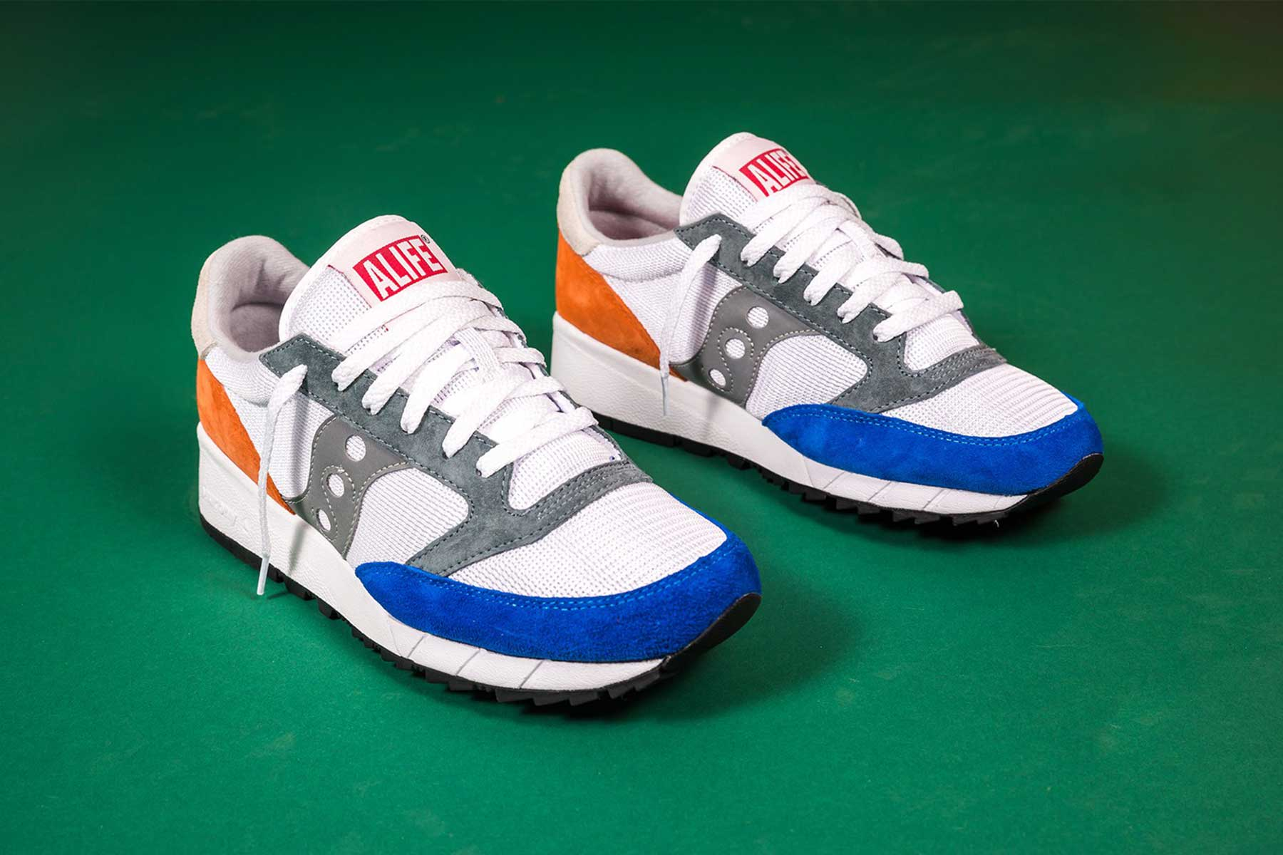 ALIFE has partnered with Saucony to release updated designs on the Jazz '91. The streetwear brand and Saucony have linked up to present the Jazz '91 model.