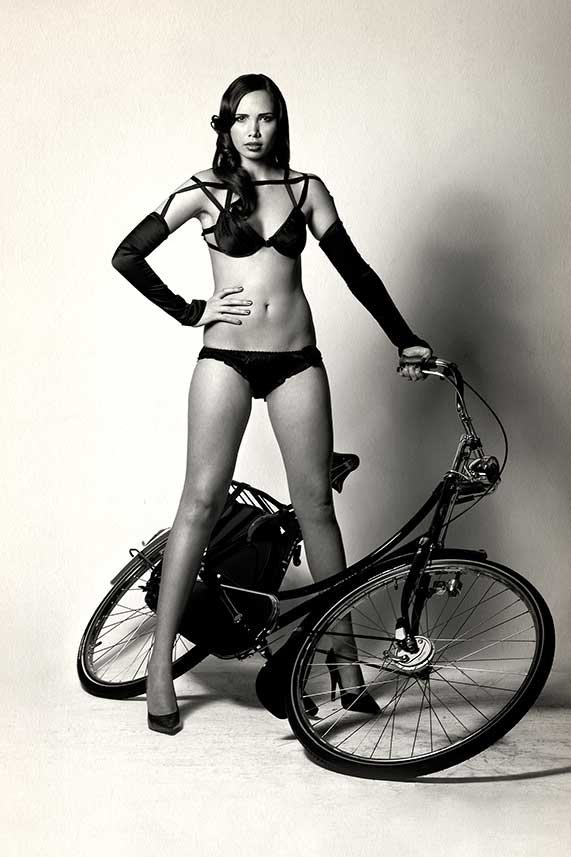 donk-bike-girl-image-1