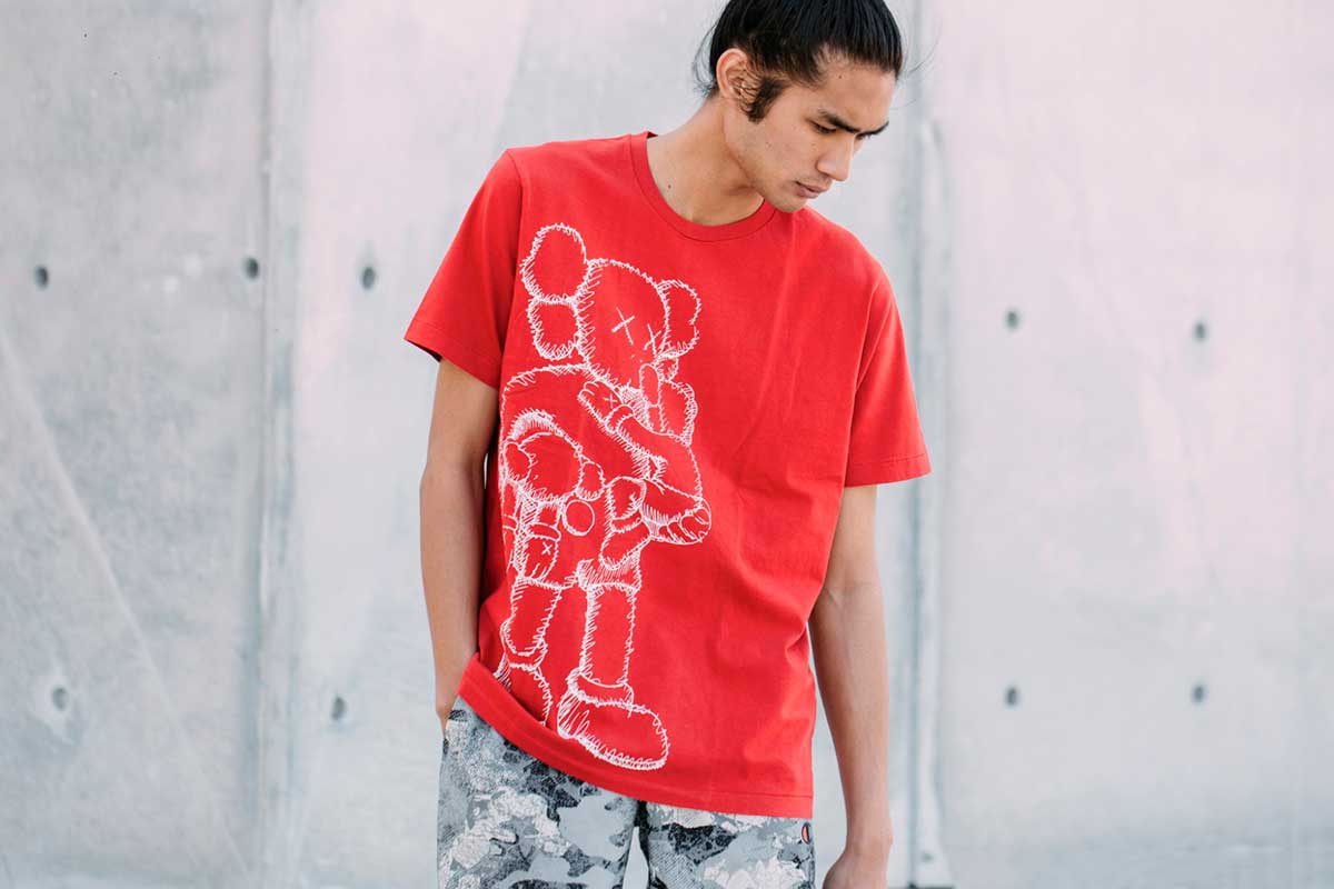 NIGO, designer for HUMAN MADE, creative director of Uniqlo's LifeWear UT division and formerly of BAPE, has linked up with legendary artist KAWS for the exclusive collaborative series. The UT KAWS includes 20 items in 25 patterns, featuring T-shirts, tote bags and room shoes.