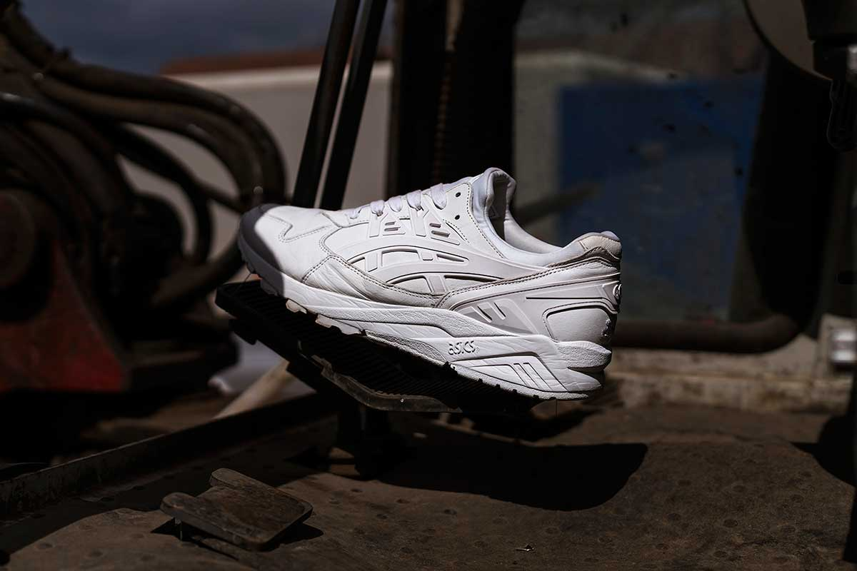 After last week's lavender color way, UK retailer size? and ASICS are back at it again. Once again the two have teamed up on the GEL-Kayano, originally a long-distance performance running shoe and today one of the brand's most popular lifestyle silhouettes.